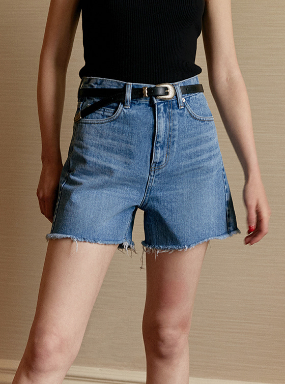 Slim High Waist Denim Shorts in Blue_VJ9ML0350