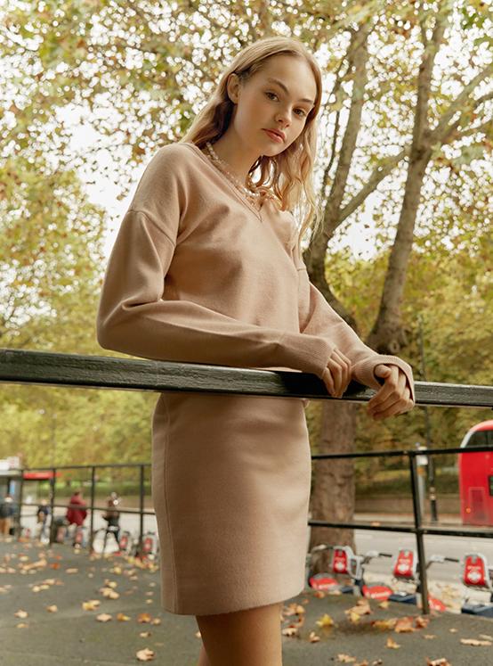 Lace Knit One piece in Beige_VK9WO0760