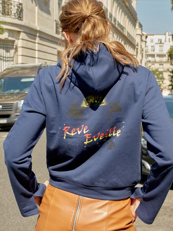 Cropped Hoodie Sweatshirt in Navy_VW8AE0620